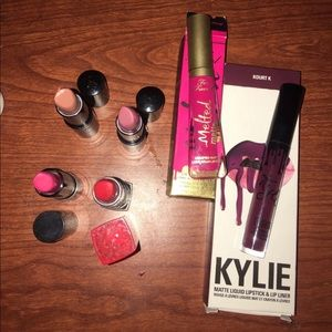 Other - Lots of six lipsticks